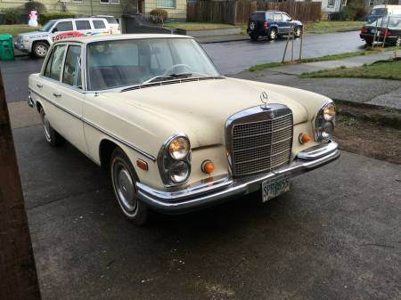 1968 Mercedes 250S right front