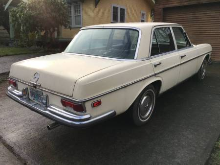 1968 Mercedes 250S right rear