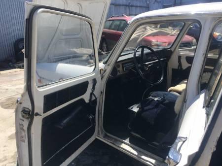 1971 Renault 10 interior