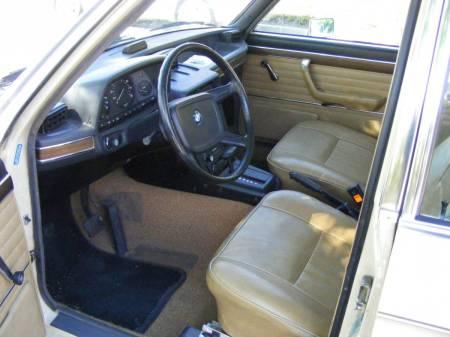 1976 BMW 530i interior