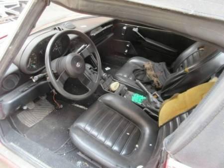 1988 Alfa Romeo Spider Graduate interior
