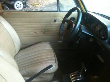 1976-bmw-2002-3-interior
